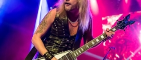 JUDAS PRIEST: RICHIE FAULKNER AT HOSPITAL - RESTING AFTER HEART SURGERY